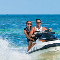 couple on jet ski tour