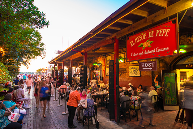 outside dining at el meson de pepe in key west